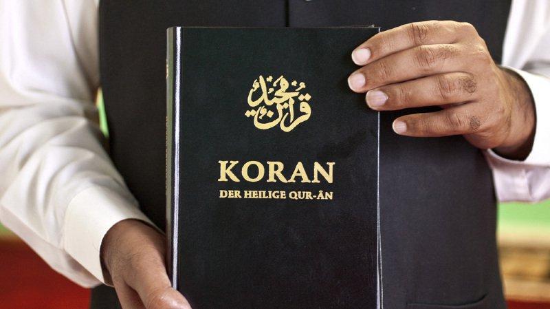Religion: les Etats mettent en veilleuse l'interdiction de la distribution de corans dans les rues suisses