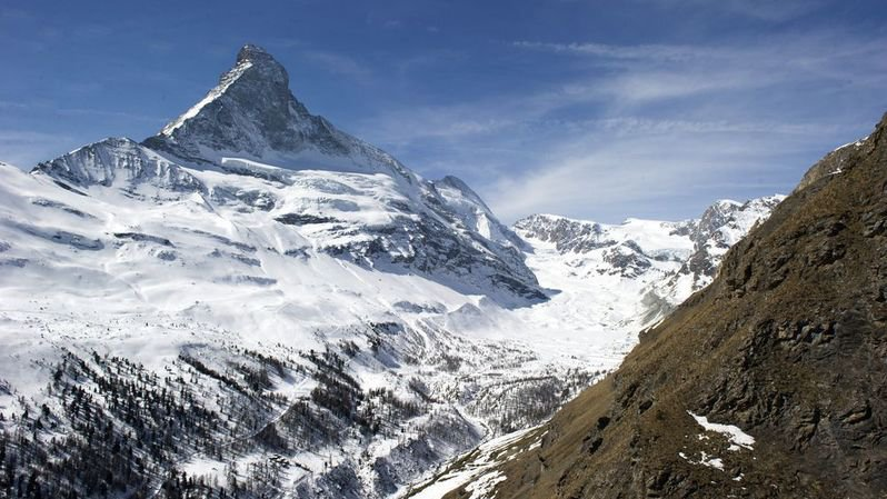 Drame: un Américain de 34 ans décède à la suite d'un accident de ski à Zermatt