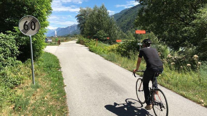 L'association valaisanne pour les intérêts des cyclistes demande que le Grand Conseil valaisan prenne des mesures en faveur de la mobilité cycliste «sans obligatoirement attendre que l'ensemble des projets territoriaux (R3, projets d'agglomération) se réalisent».