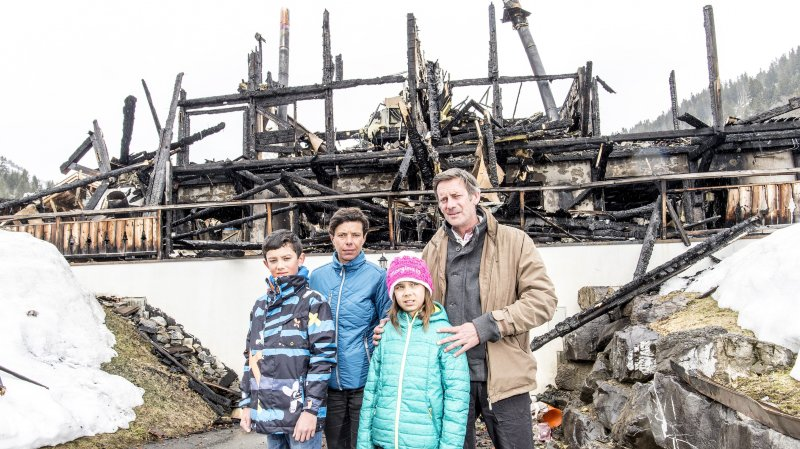 Morgins: après l'incendie, un énorme soutien s'organise pour aider la famille touchée