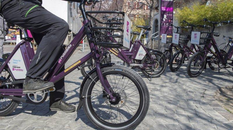 """Les pétitionnaires demandent notamment davantage de stations Publibike. Le """"schéma directeur vélo"""" élaboré par les autorités sédunoises en prévoit deux nouvelles, aux Potences et à Tourbillon."""