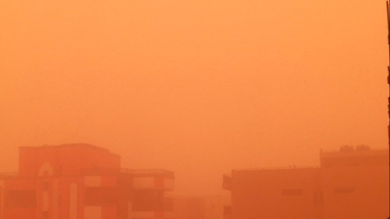 La capitale du Soudan a viré à l'orange ce jeudi.