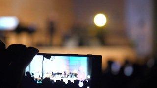 Charles Aznavour et André Manoukian au concert de la Francophonie