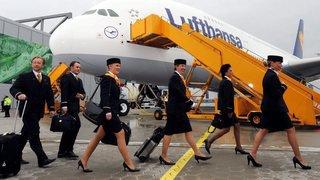 Santé: dans un avion, un passager contagieux contamine ses voisins immédiats