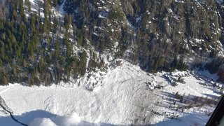 Une année après l'avalanche qui avait rasé neuf chalets dans le vallon de Van, la nouvelle carte de danger est soumise à l'enquête publique