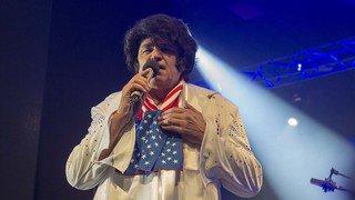 Gala du FC Sion: un CERM plein à craquer applaudit un Christian Constantin déguisé en Elvis Presley