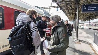 Les syndicats se mobilisent contre la fermeture du guichet CFF de Saint-Maurice