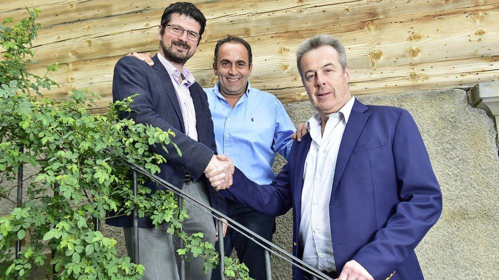 Passation de pouvoir pas encore officialisée entre Yannick Buttet,et Christophe Grau, sous le regard de Régis Udressy.