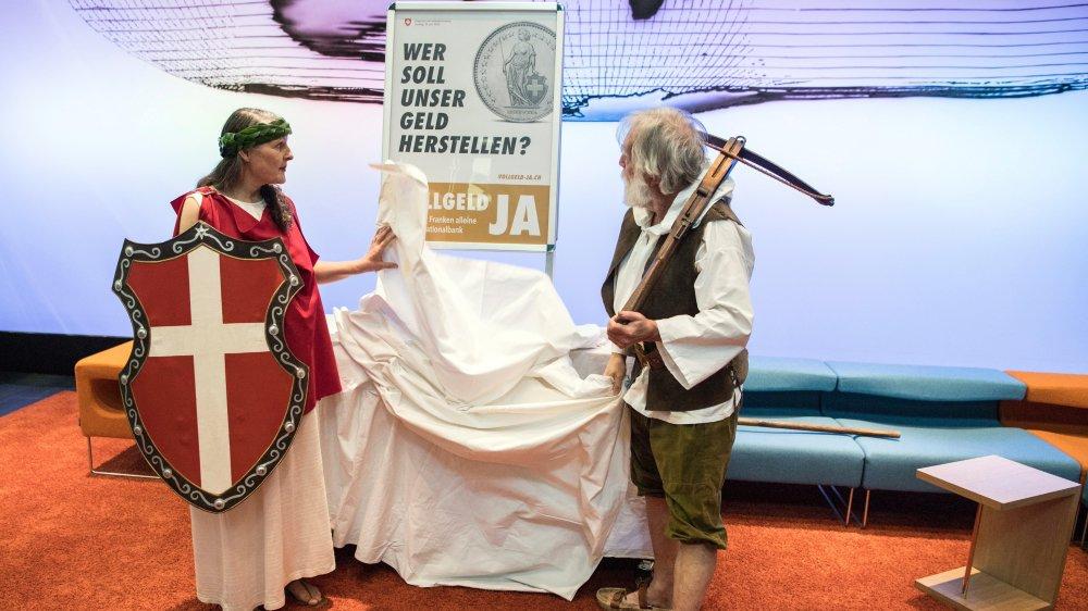 Représentant les valeurs de la Suisse, Helvetia et Guillaume Tell ont lancé la campagne de l'initiative  en mars dernier.