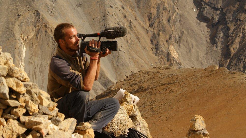 On peut imaginer le nombre d'anecdotes récoltées lors des voyages caméra au poing que Gaël Métroz a réalisées. En voici quelques-unes.