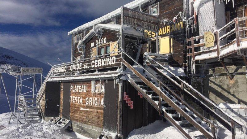 Situé au Mont Cervin, le refuge de montagne Guide del Cervino est en train de devenir helvétique.