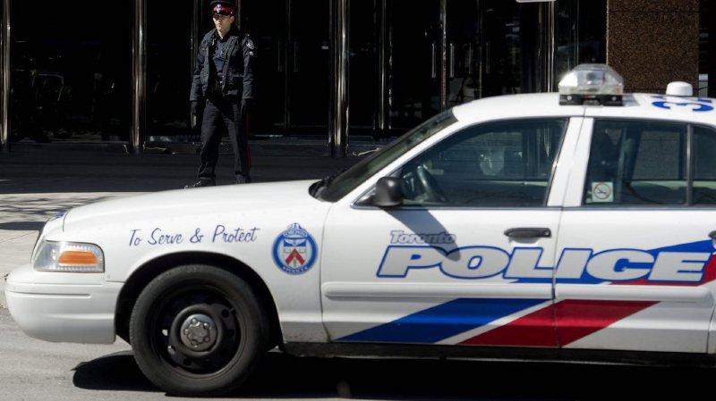 Une dizaine de piétons renversés par une camionnette — Canada
