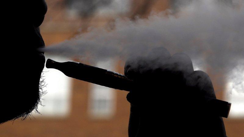 Floride: un homme tué par l'explosion de sa cigarette électronique