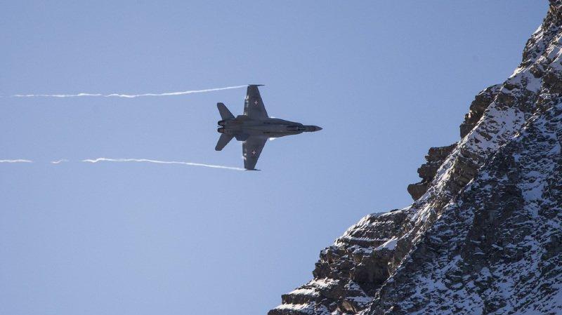Panne à l'armée: l'entraînement des avions de combat perturbé par un souci de transmission