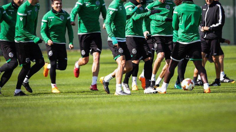 Football: les joueurs du Sporting Portugal agressés par des supporters cagoulés