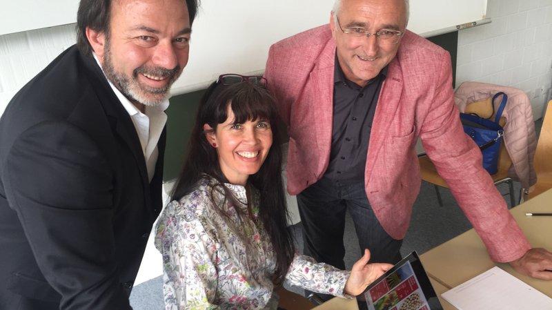 Alexandre et Chantal Comby, concepteurs de cette formation en ligne, et Jean-Marc Amez-Droz, directeur de SWP, ont présenté aujourd'hui la nouvelle plateforme disponible en 4 langues.