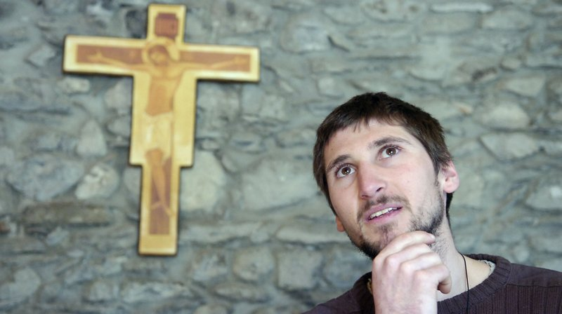 Didier Berthod, ancien grimpeur de niveau mondial, va être ordonné prêtre.