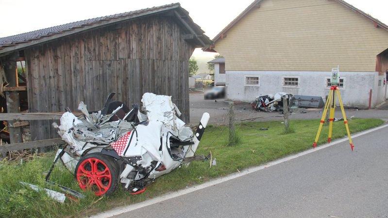Accident mortel dans le Jura: une voiture coupée en deux après un choc violent