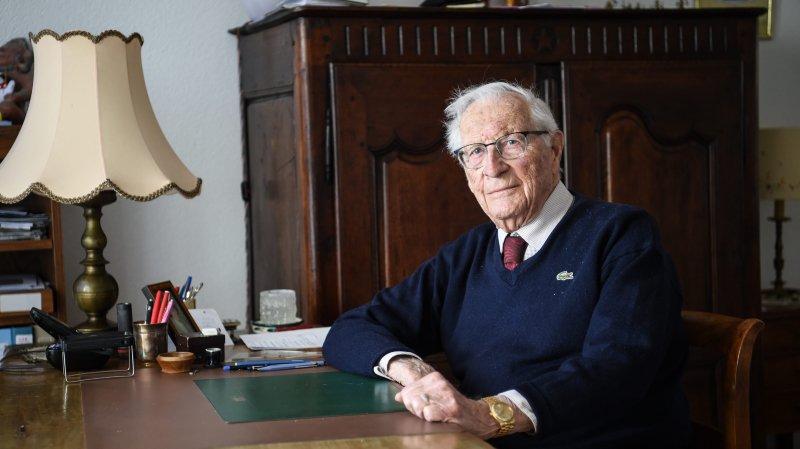 René Le Coultre vit sur les hauts de Neuchâtel. A son poignet, l'une des rares Rolex à quartz.