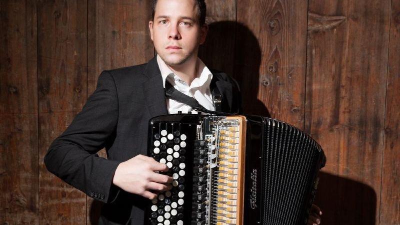Yves Moulin se produira en concert dans sa région avant d'entamer une tournée dans les pays baltes.