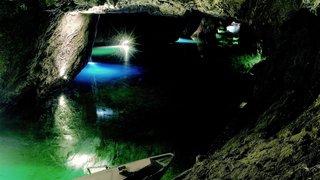 Tolkien au lac souterrain: quelle plausibilité?