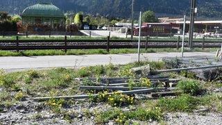 Un train heurte des barres métalliques posées volontairement sur les rails aux Grisons