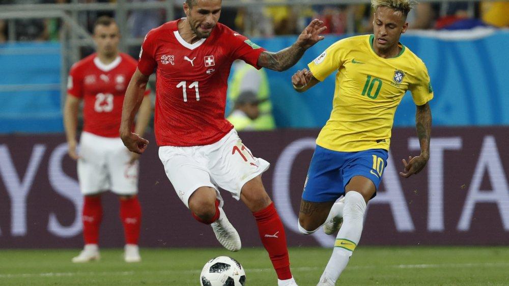 Valon Behrami et la Suisse affrontent la Serbie vendredi.