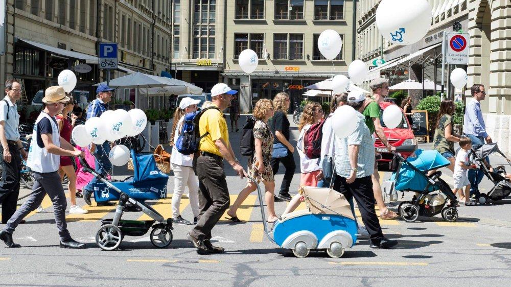Le 4juillet dernier, les initiants vont déposer, à Berne, les boîtes munies des précieuses signatures de l'initiative populaire «pour un congé de paternité raisonnable».