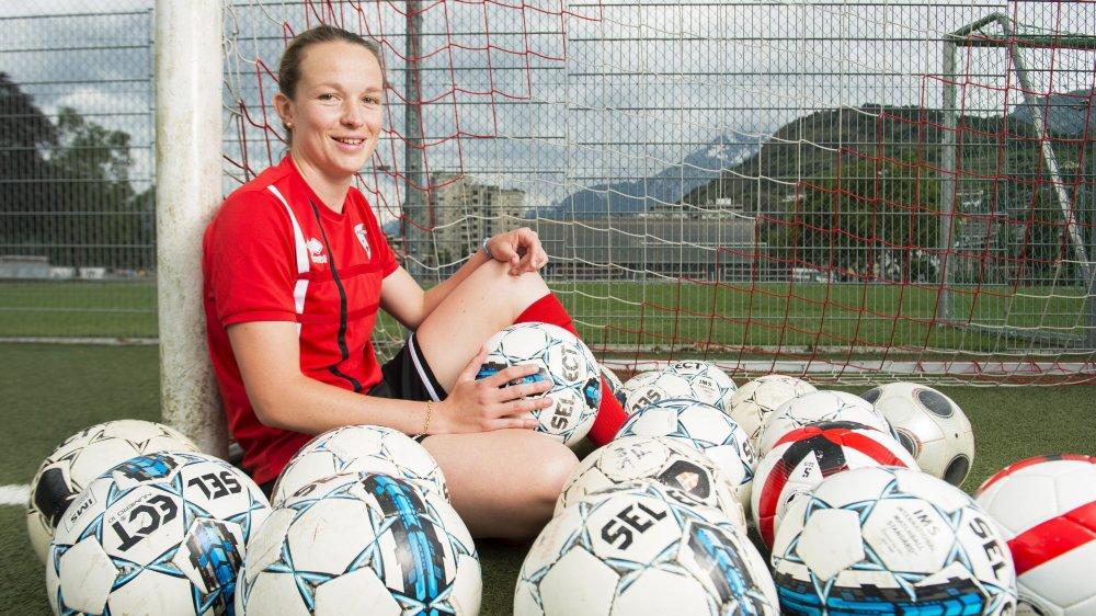 Charlotte Brun attire les ballons vers elle, dans les seize mètres. Nombre d'entre eux finissent au fond des filets.