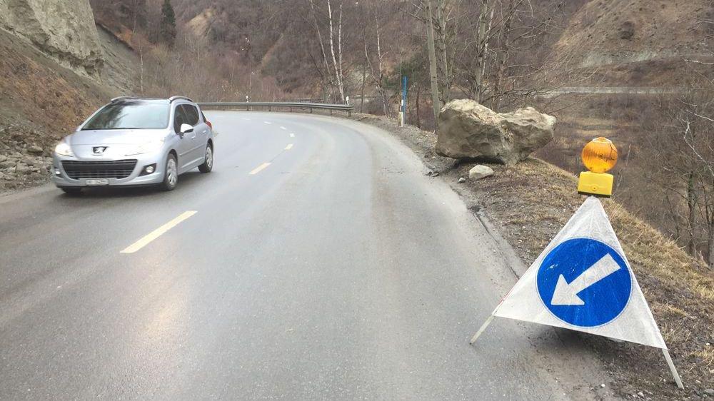 A l'image de ce tronçon à Euseigne, le réseau routier valaisan a particulièrement souffert en 2018 d'un manque d'entretien chronique.