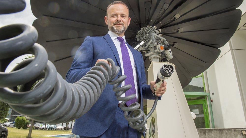 François Fellay, directeur depuis six mois du plus grand fournisseur valaisan d'électricité, table sur un redéploiement des activités des gestionnaires de réseau.
