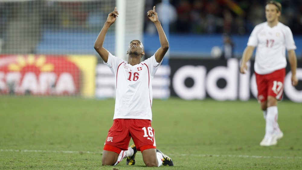 Gelson Fernandes. Son but face à l'Espagne, en 2010, reste historique face au futur champion du monde.