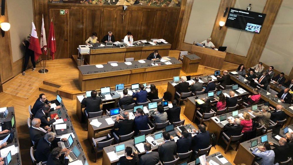 Le Grand Conseil a dit oui à l'unanimité aux comptes 2017 de l'Etat du Valais, ce qui ne l'a pas empêché de se montrer critique.
