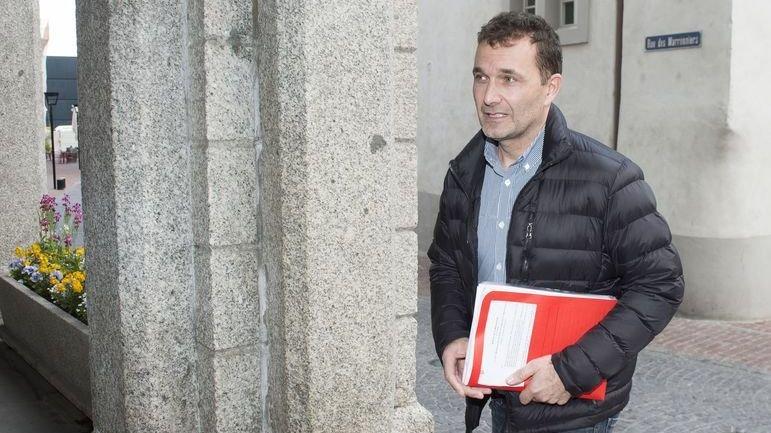 Patrice Martinet - ici lors de son arrivée devant le tribunal e district de Martigny - ne comprend pas la décision rendue par les juges de Mon-Repos.