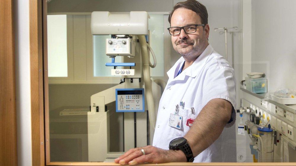 Si Philippe Schifferle travaille à 100% à la clinique de Valère, il consacre quasiment tout son temps libre à aider les autres.