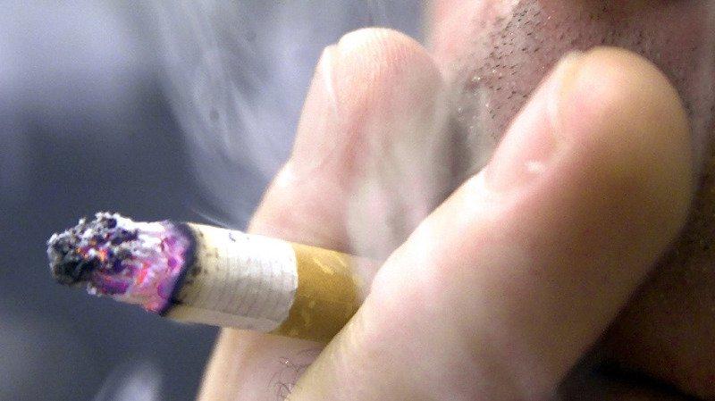 En Suisse, 9500 personnes meurent chaque année des conséquences directes de la consommation de tabac, soit 25 décès par jour. (illustration)