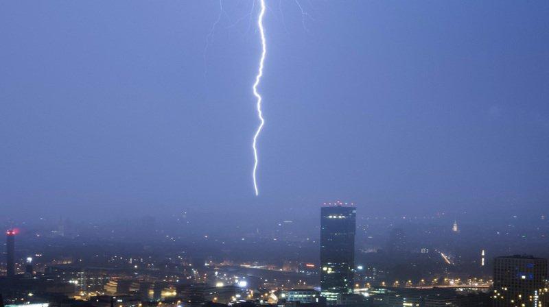 Intempéries: une facture de 6 millions de francs pour AXA après les orages du 30 mai