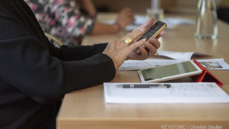 """Selon les syndicats, 2 retraités suisses sur 3 devront """"calculer serré"""" pour leurs vieux jours"""