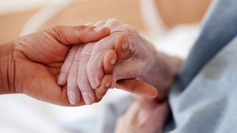 Les dépenses relatives à la vieillesse occupent le haut du classement (42%), suivies par celles liées à la maladie et aux soins de santé (31%). (illustration)