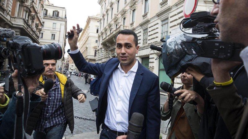 Luigi Di Maio (leader du Mouvement 5 Etoiles) et Matteo Salvini de la Ligue (extrême droite) se sont rencontrés jeudi après-midi pour tenter de s'accorder sur un nouveau gouvernement d'union.