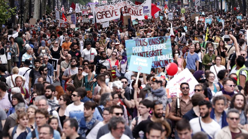 A Paris, la police a fait part de 35 interpellations, dont 26 gardes à vue suite à de brefs incidents.