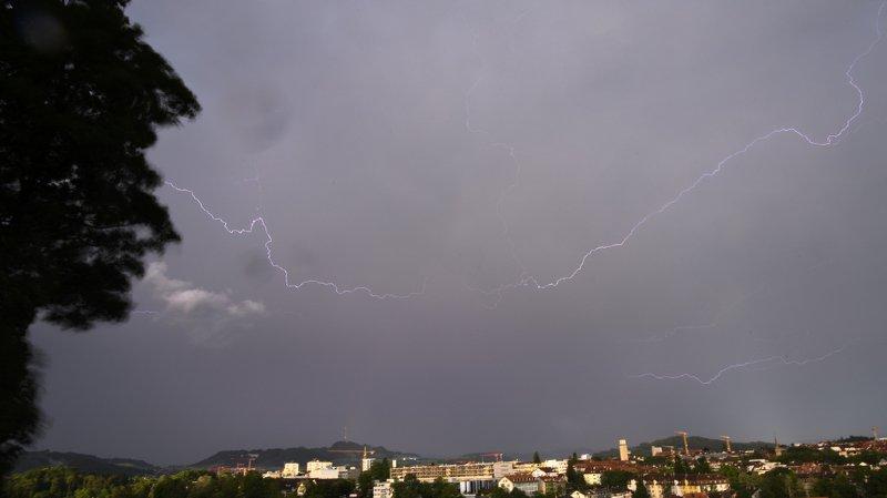 Le ciel s'est déchaîné, samedi soir, sur le canton de Berne.