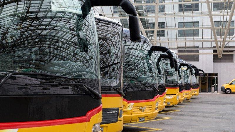 Scandale CarPostal: l'ensemble de la direction de l'entreprise licencié, décharge restreinte du Conseil fédéral