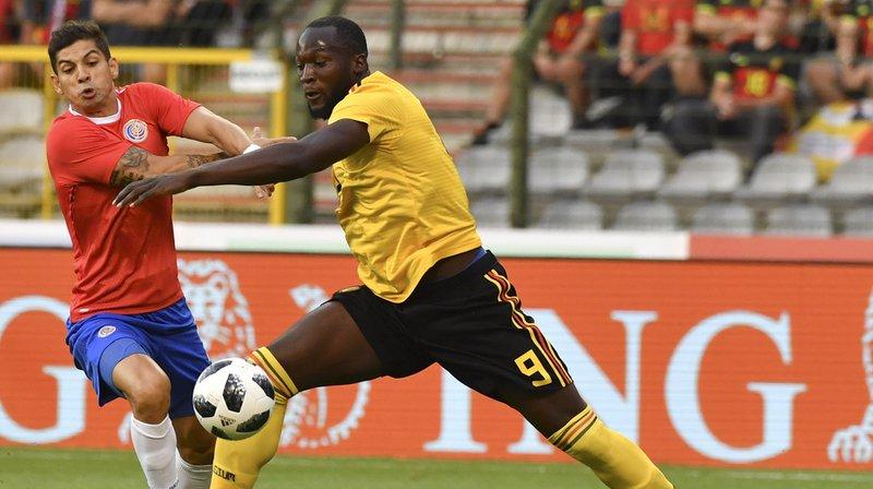 Le Costa Rica (rouge) a été dépassé par la supériorité de la Belgique.