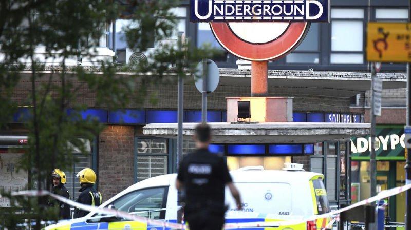Grande-Bretagne: une explosion mineure crée la panique dans le métro de Londres