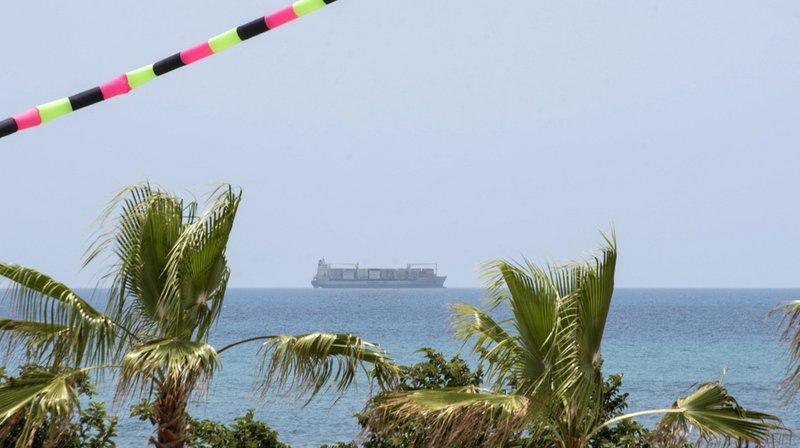 Le cargo danois Alexander Maersk est arrivé dans la nuit de lundi à mardi à Pozzallo, après trois jours d'attente devant ce port du sud de la Sicile.