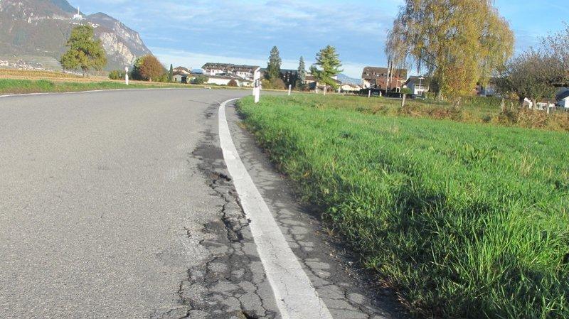 Les routes valaisannes commencent à se détériorer de manière inquiétante.
