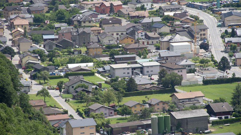 Le village de Dorénaz vu depuis Alesse.