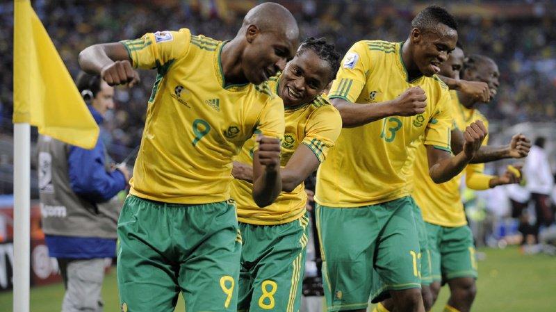 Les joueurs sud-africains après le premier but de la Coupe du Monde 2010.