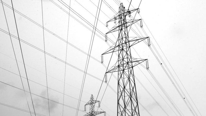 Certains pylônes de la future ligne sont dans des zones de danger.